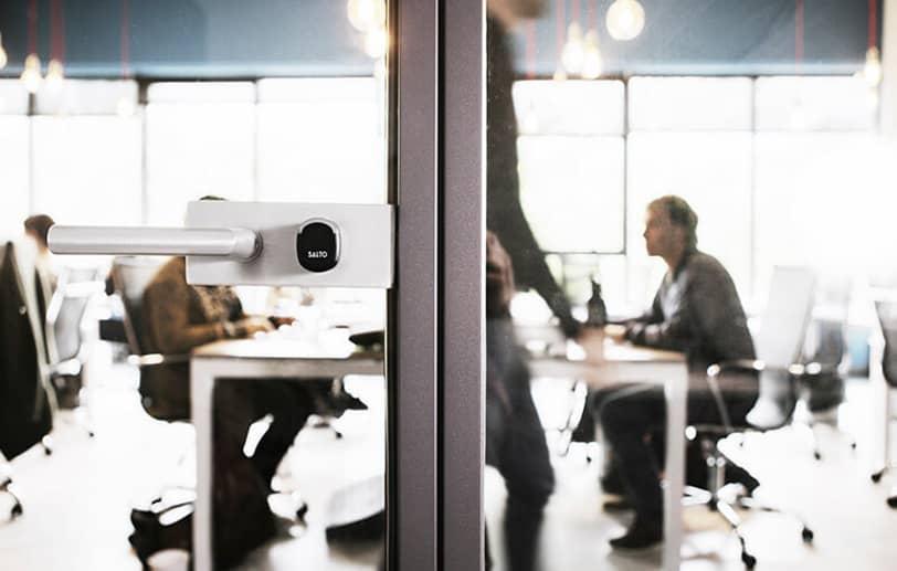 Contrôle d'accès adapté aux entreprises et bureaux