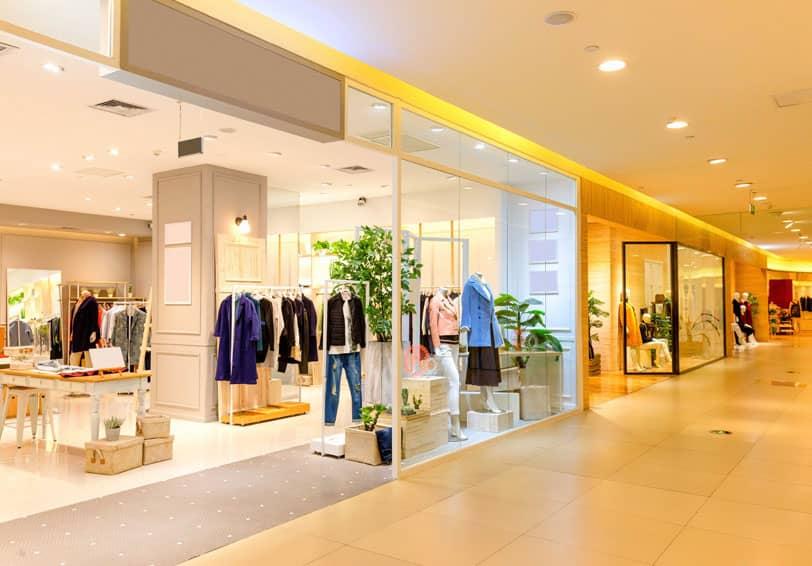 Image d'un galerie marchande, lieu nécessitant une vigilance accrue et qui nécessite donc des solutions de sécurité adaptées.